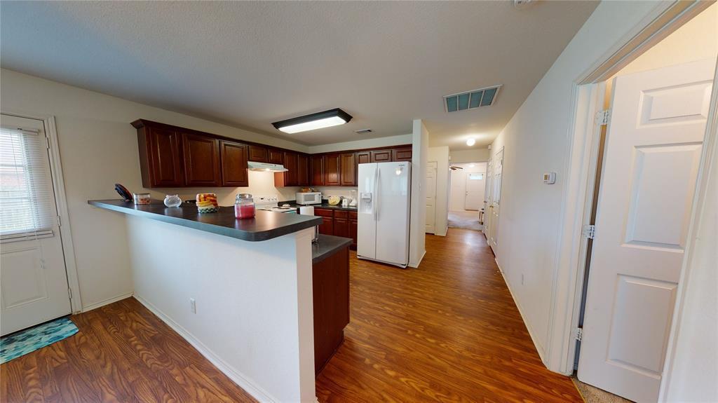 Sold Property | 423 Jordan Lane Arlington, TX 76012 10