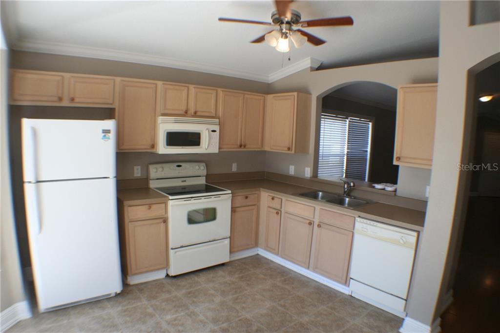 Sold Property | 1504 MARSH WOOD DR SEFFNER, FL 33584 3