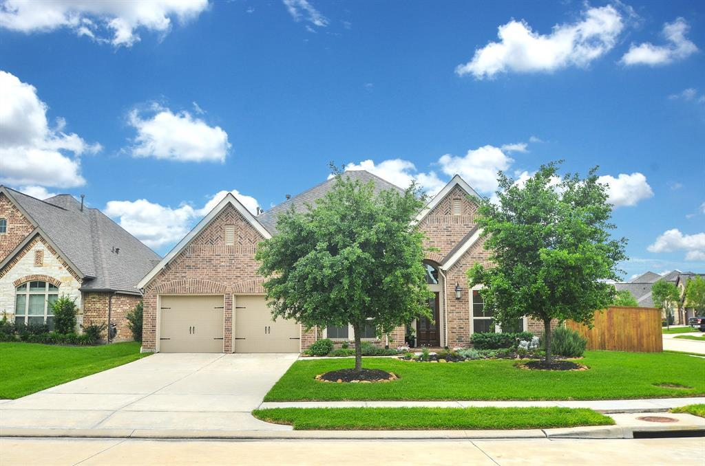 Pending | 1811 Parkwater Cove Court Pearland, TX 77584 0