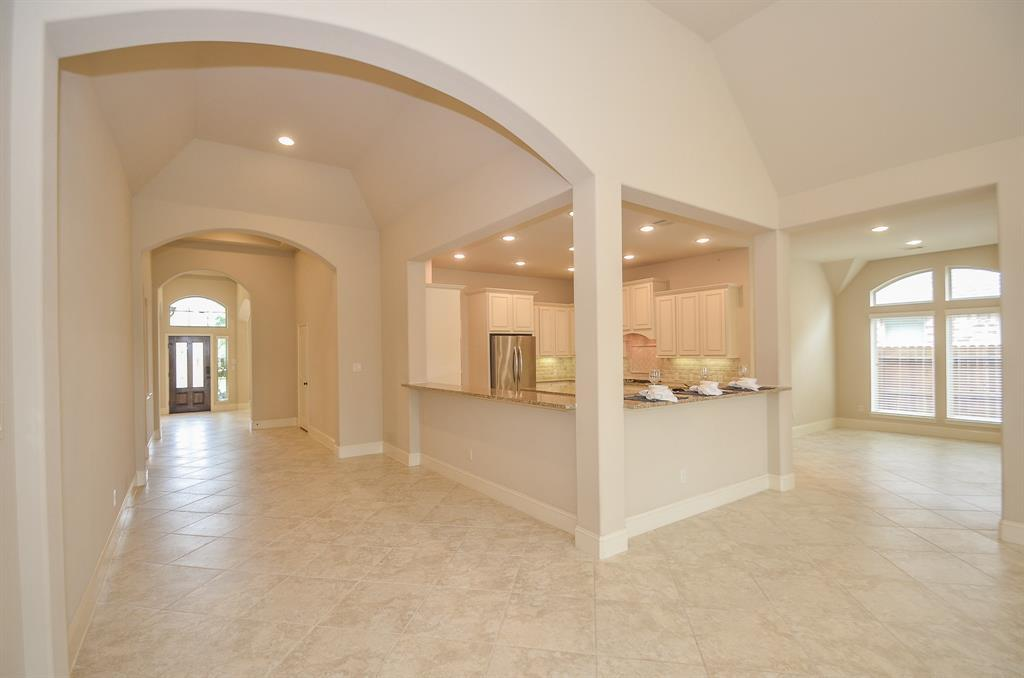 Pending | 1811 Parkwater Cove Court Pearland, TX 77584 12