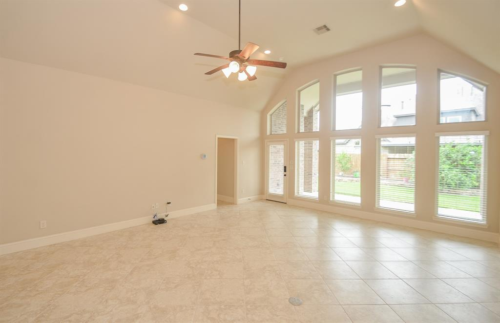Pending | 1811 Parkwater Cove Court Pearland, TX 77584 19