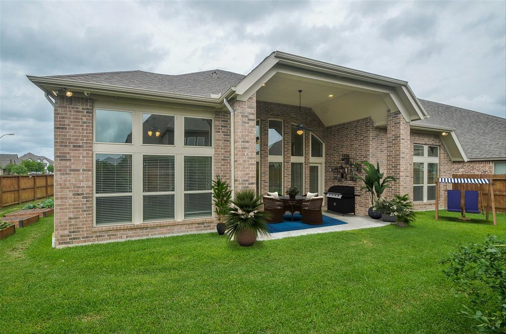Pending | 1811 Parkwater Cove Court Pearland, TX 77584 28