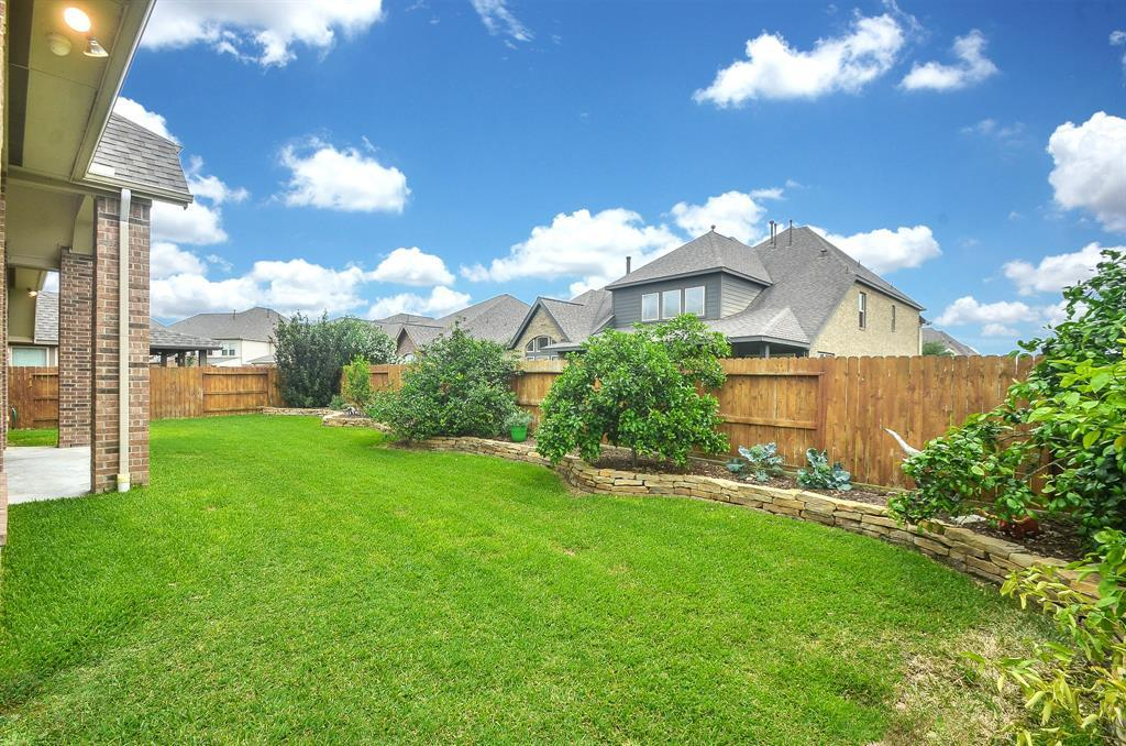 Pending | 1811 Parkwater Cove Court Pearland, TX 77584 30