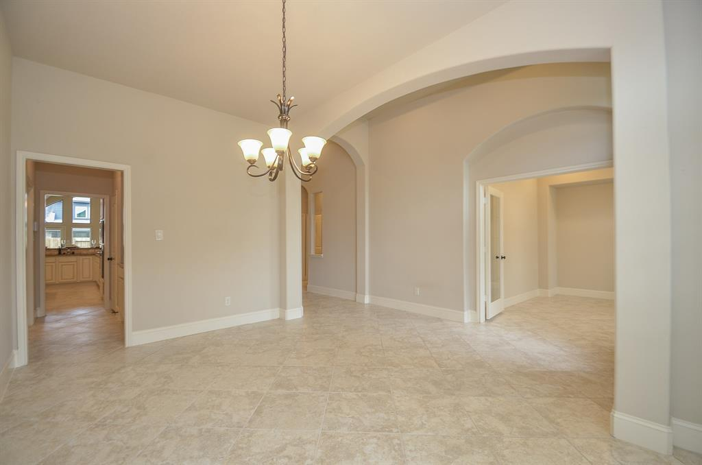 Pending | 1811 Parkwater Cove Court Pearland, TX 77584 4