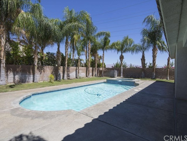 Closed | 74140 College View Palm Desert, CA 92211 3