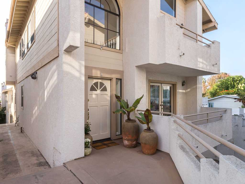 Coming Soon | 109 S. Guadalupe, Unit B Redondo Beach, CA 90277 1