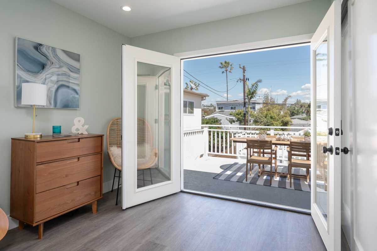 Coastal Homes San Diego  | 305 Neptune Avenue Encinitas , CA 92024 6