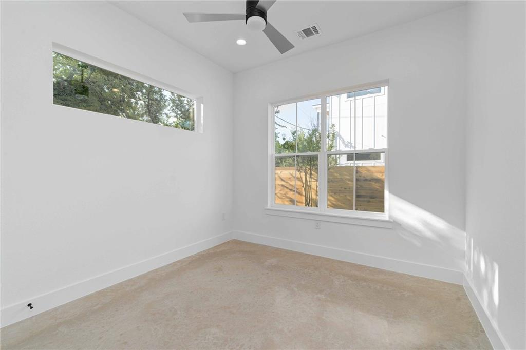 Closed | 5601 Jackie Robinson Street #2 Austin, TX 78721 10