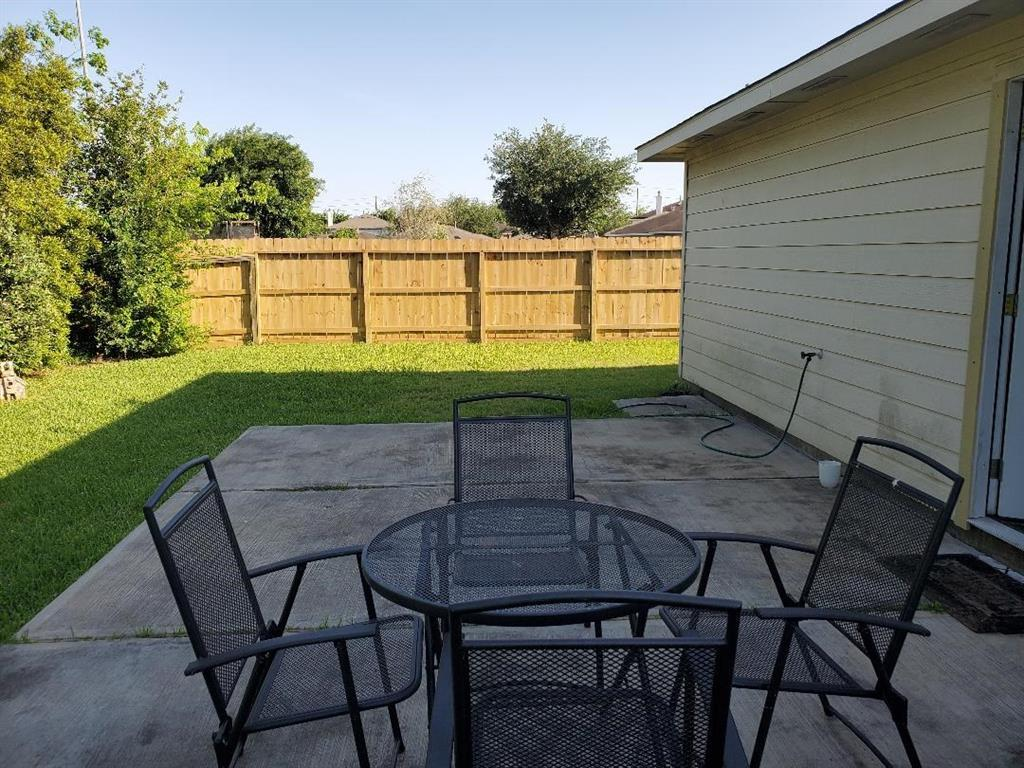 Pending   7915 NorthFork Hollow  Lane Richmond, TX 77407 15