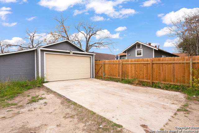 Active | 1142 Iowa St  San Antonio, TX 78203 21