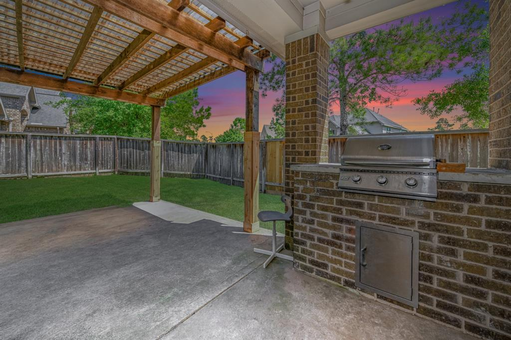Active | 16915 Caldwell Pointe Court Humble, Texas 77346 1