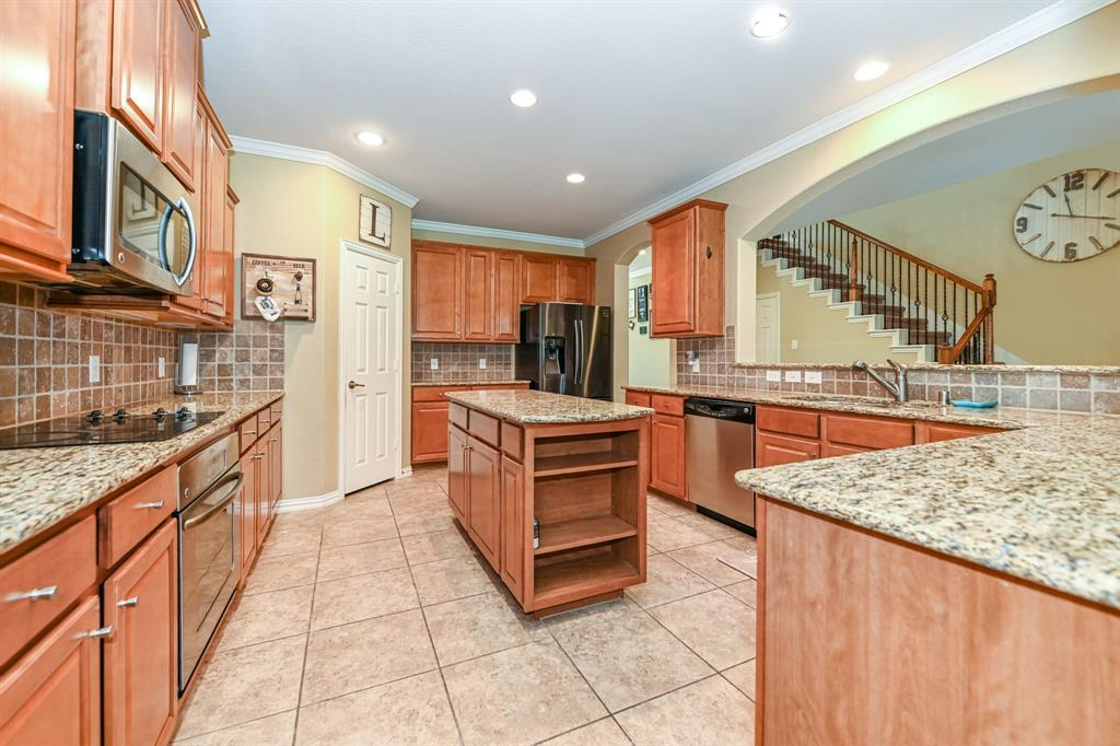 Active | 16915 Caldwell Pointe Court Humble, Texas 77346 2