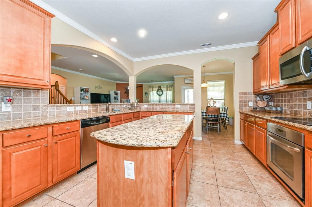 Active | 16915 Caldwell Pointe Court Humble, Texas 77346 3