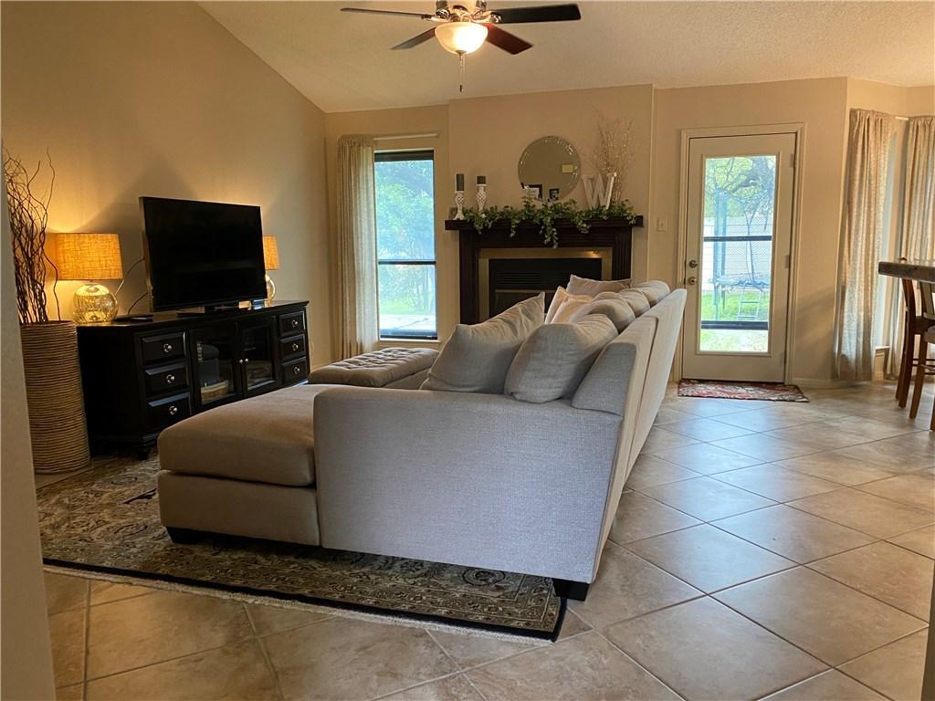 homes for lease in cedar park, 4 bedroom home, private back yard | 3209 Pepper Grass Trail Cedar Park, TX 78613 2