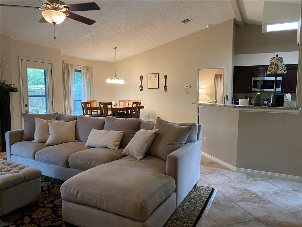 homes for lease in cedar park, 4 bedroom home, private back yard | 3209 Pepper Grass Trail Cedar Park, TX 78613 3