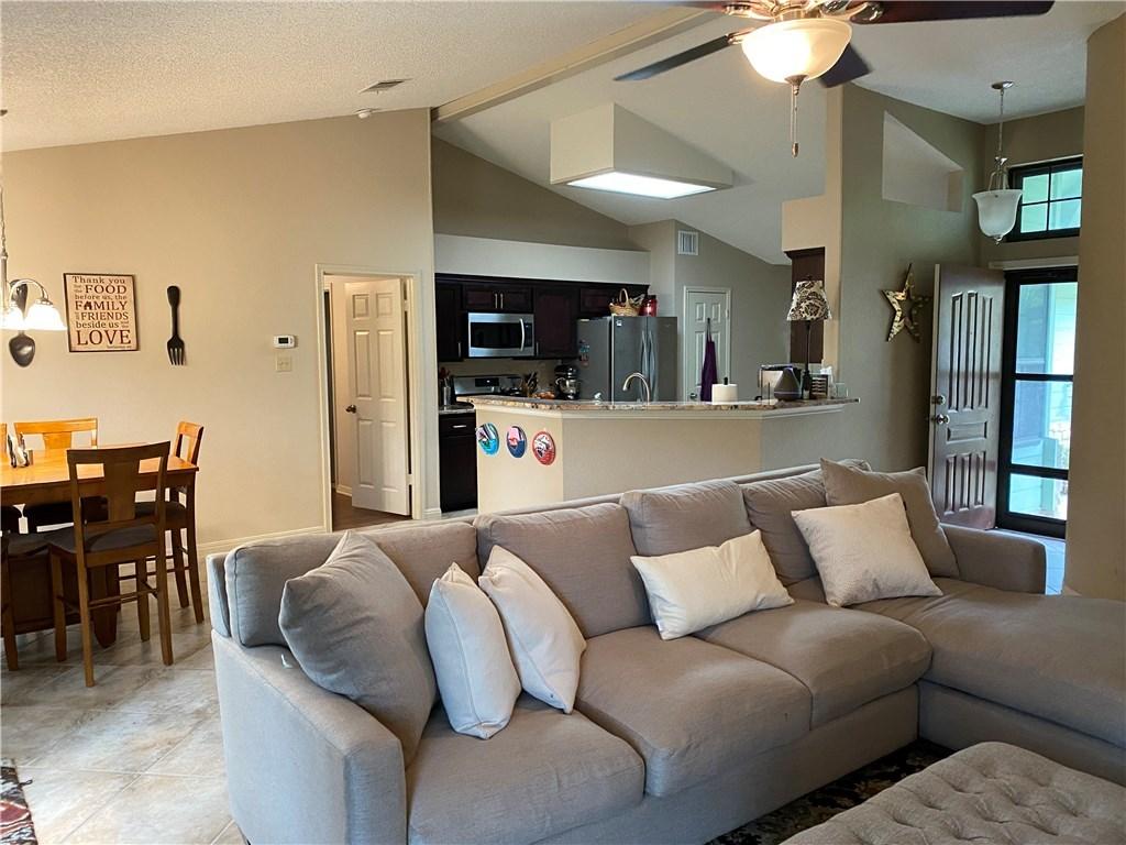 homes for lease in cedar park, 4 bedroom home, private back yard | 3209 Pepper Grass Trail Cedar Park, TX 78613 5