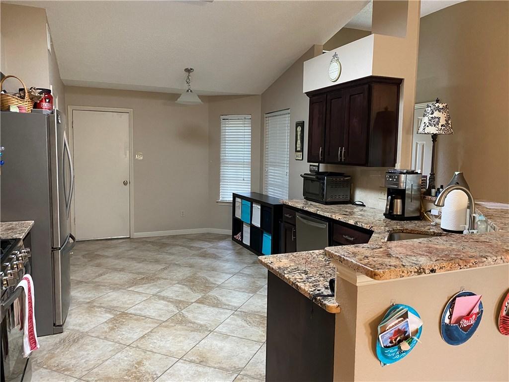 homes for lease in cedar park, 4 bedroom home, private back yard | 3209 Pepper Grass Trail Cedar Park, TX 78613 6