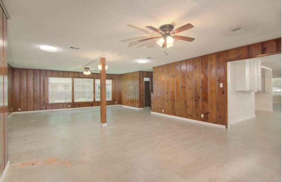 Active | 406 Wakefield Drive League City, TX 77573 16