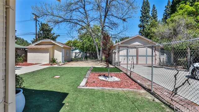 Closed | 585 Lincoln  Avenue Pomona, CA 91767 24