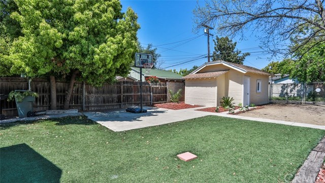 Closed | 585 Lincoln  Avenue Pomona, CA 91767 26