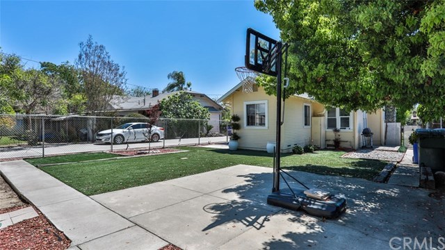 Closed | 585 Lincoln  Avenue Pomona, CA 91767 27