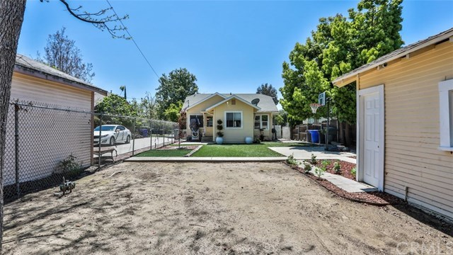 Closed | 585 Lincoln  Avenue Pomona, CA 91767 30