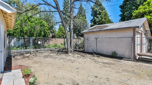Closed | 585 Lincoln  Avenue Pomona, CA 91767 31
