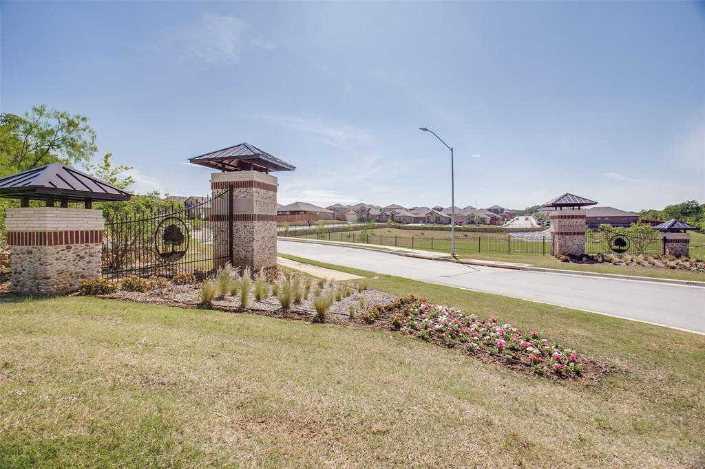 Pending | 620 Stanmire Lake Trail Fort Worth, TX 76120 33