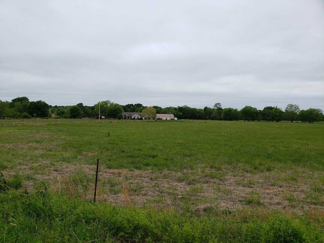 Active | HOME, SHOP AND UP TO 490.5 ACRES Stigler , OK 74462 4