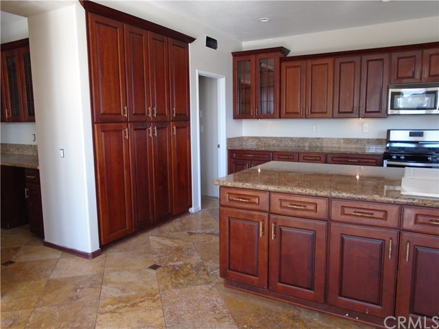 Closed   660 Silver Spur Way Norco, CA 92860 4