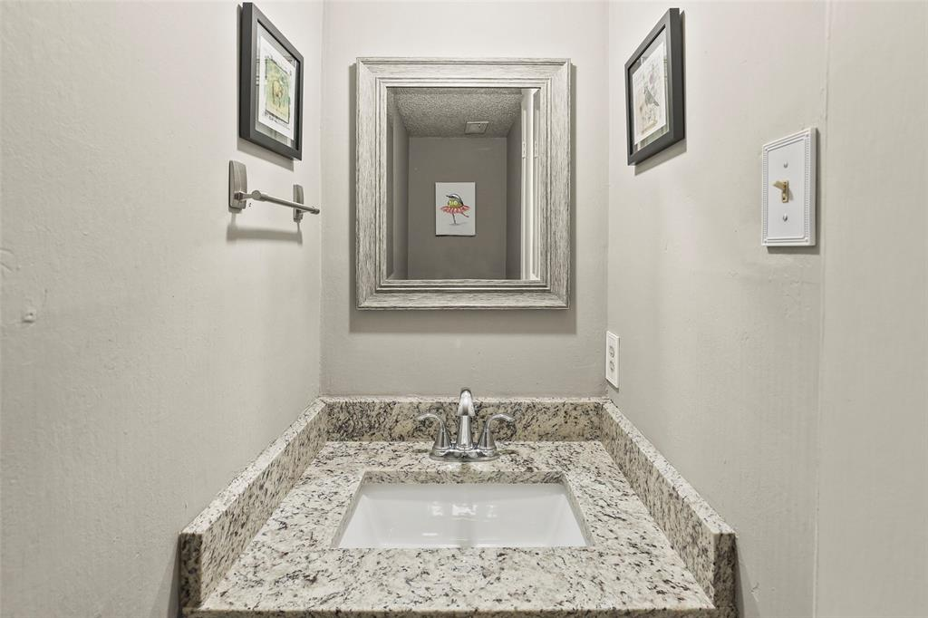 Active | 15926 Coolwood  Drive #1038 Dallas, TX 75248 11