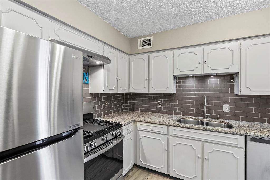 Active | 15926 Coolwood  Drive #1038 Dallas, TX 75248 15