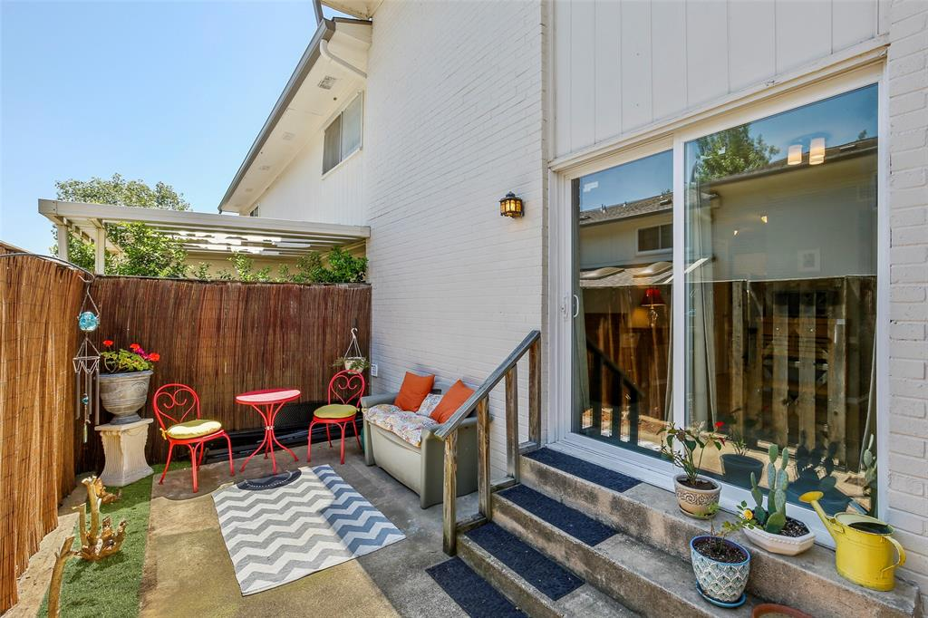 Active | 15926 Coolwood  Drive #1038 Dallas, TX 75248 33