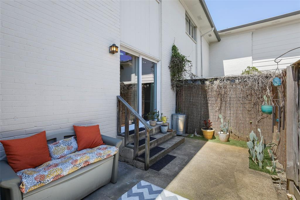 Active | 15926 Coolwood  Drive #1038 Dallas, TX 75248 34
