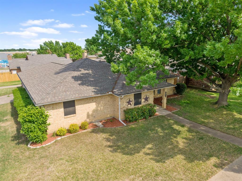 Sold Property | 2820 Clearmeadow Street Bedford, Texas 76021 3