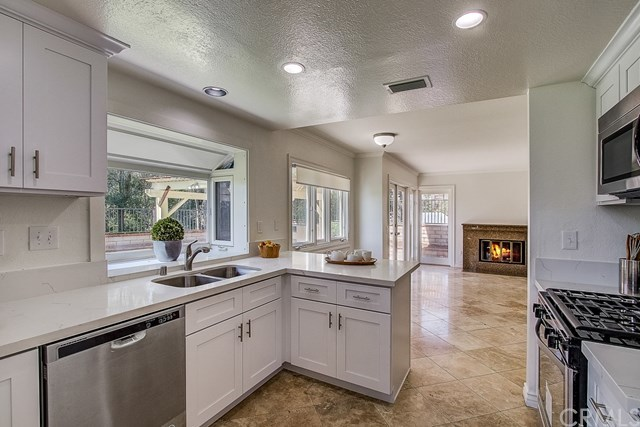 Closed   2477 Monte Royale Drive Chino Hills, CA 91709 13