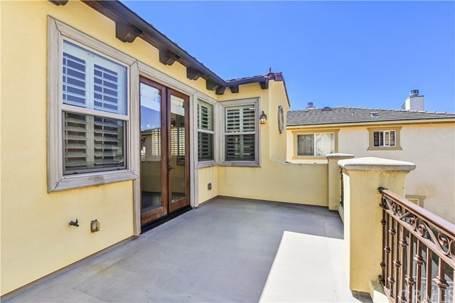 Closed | 239 S Irena  Avenue #B Redondo Beach, CA 90277 7