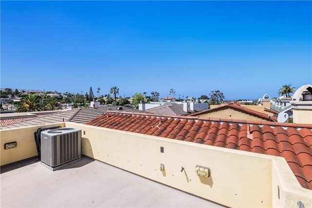 Closed | 239 S Irena  Avenue #B Redondo Beach, CA 90277 15