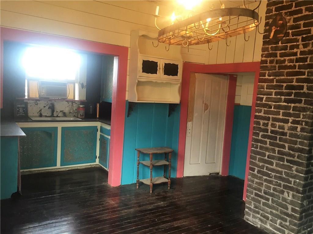 Sold Property | 623 N Main Street Cleburne, Texas 76033 9