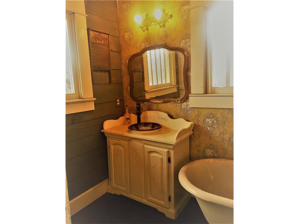 Sold Property | 623 N Main Street Cleburne, Texas 76033 14