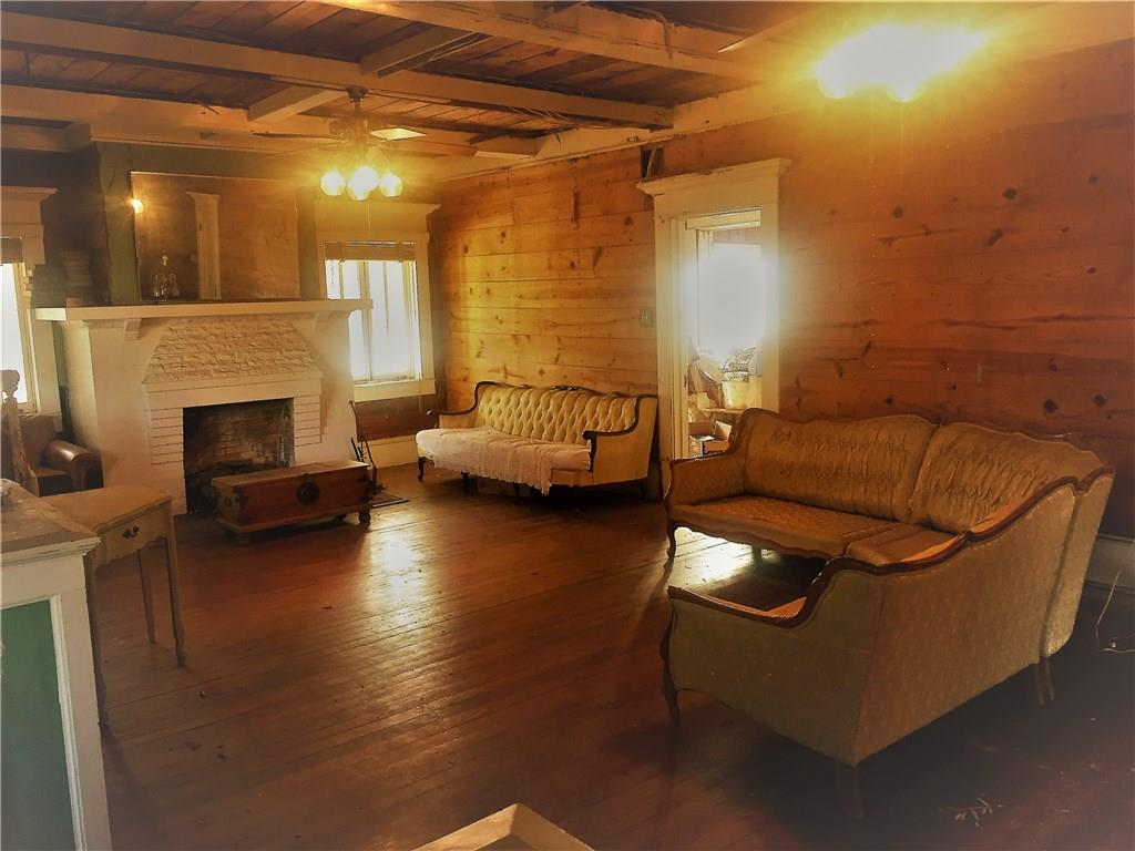 Sold Property | 623 N Main Street Cleburne, Texas 76033 1