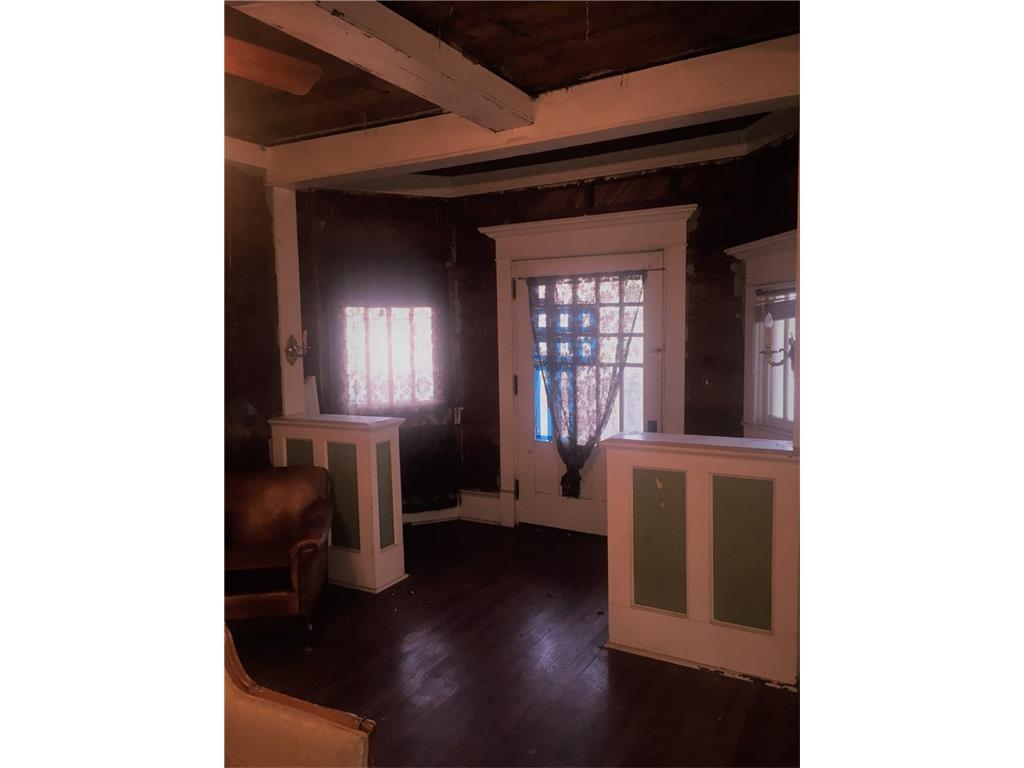 Sold Property | 623 N Main Street Cleburne, Texas 76033 2
