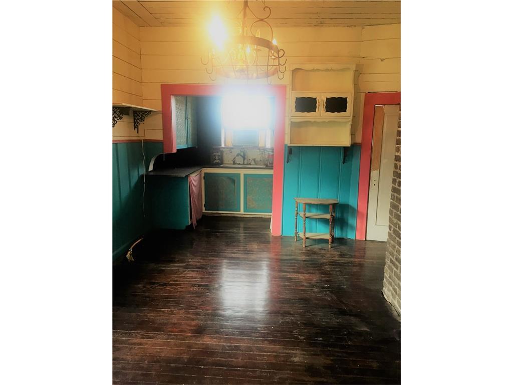 Sold Property | 623 N Main Street Cleburne, Texas 76033 8