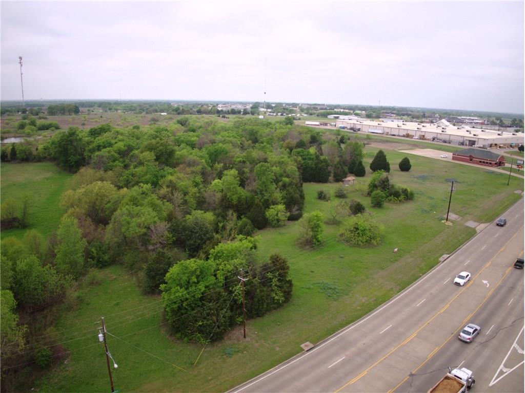 Active | 245 S Gun Barrel  Gun Barrel City, Texas 75156 2
