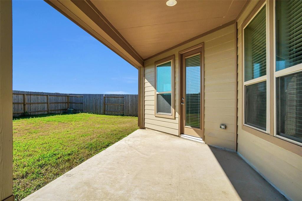 Pending | 2527 Hawthorn Park  Court Houston, TX 77038 29