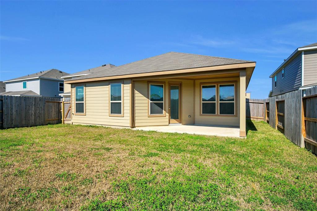 Pending | 2527 Hawthorn Park  Court Houston, TX 77038 31