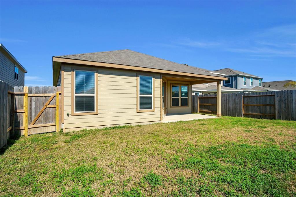 Pending | 2527 Hawthorn Park  Court Houston, TX 77038 33