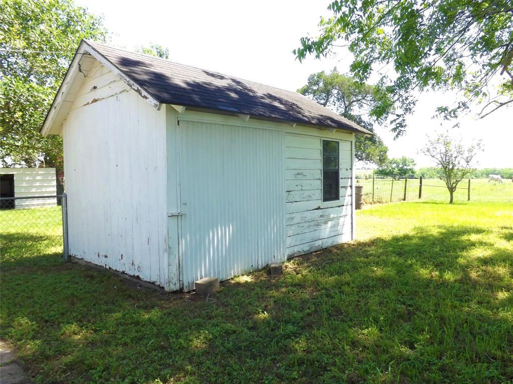 Country Living in Cat Spring on 31+ acres, Farm House.    5677 US Hwy 90 Cat Spring, TX 78933 17