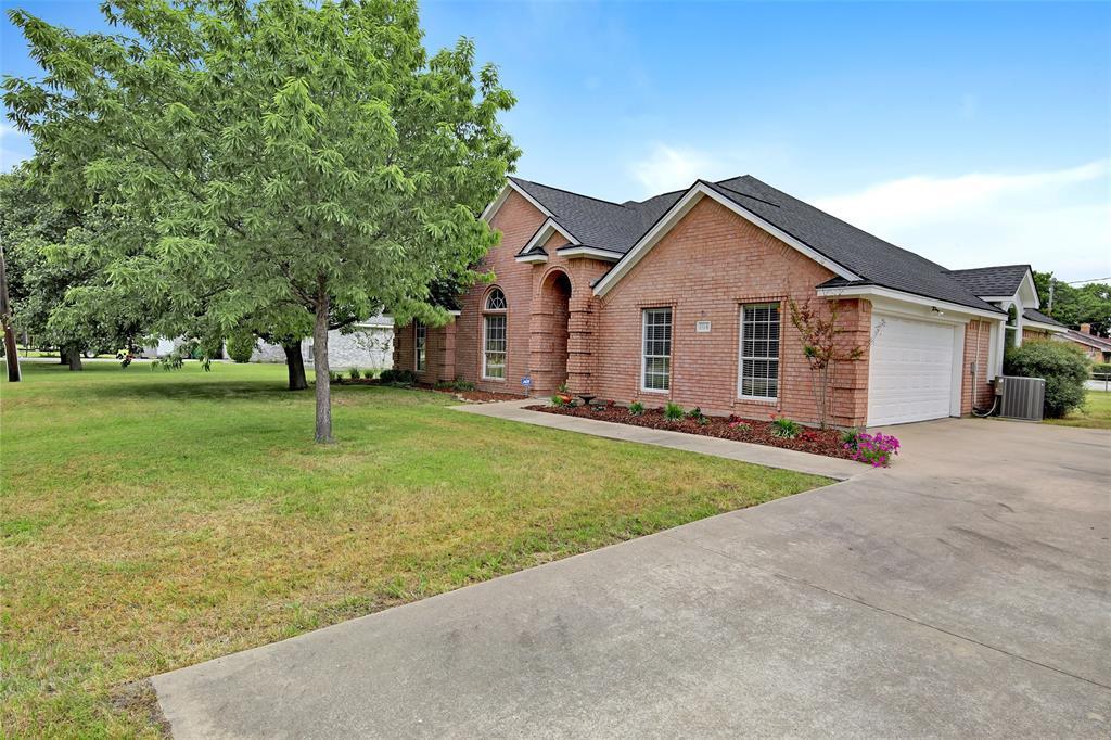 Sold Property | 104 N Frederick  Street Ponder, TX 76259 2