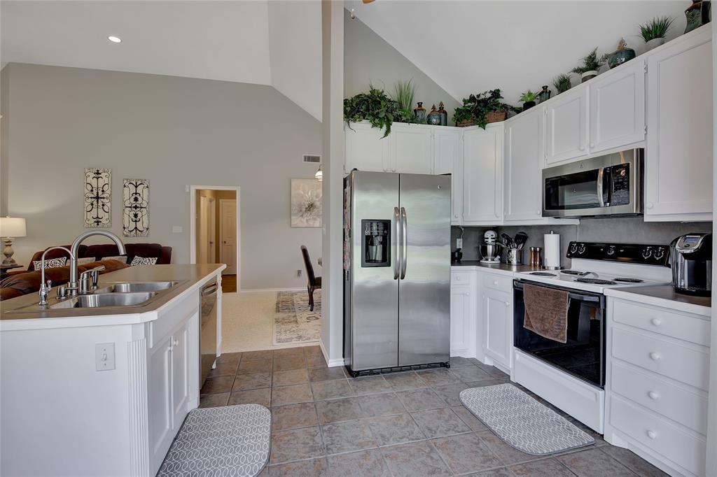 Sold Property | 104 N Frederick  Street Ponder, TX 76259 12